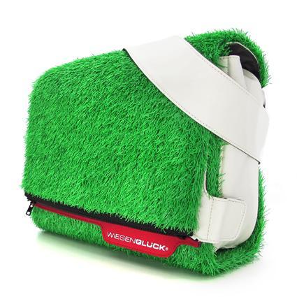 Wiesenglück Massengerbag mit grüner Wiese